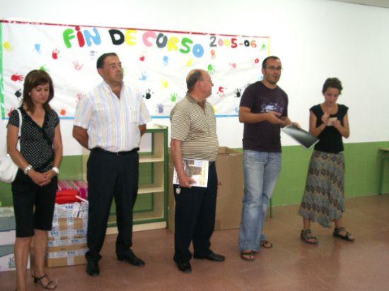 El alcalde y el concejal de Juventud reciben a los participantes en el VII Campo de Trabajo , Foto 1