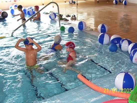 La piscina cubierta despide su temporada con broche de oro acogiendo el I Trofeo de Natación Presidente, Foto 1