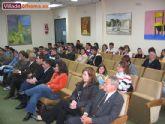 Programas de Iniciaci�n Profesional para el Empleo del Ayuntamiento de Alhama, curso 2005/2006 y entrega de certificaciones y placas de agradecimiento a alumnos